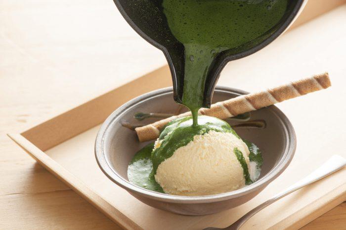 バニラアイスに濃厚抹茶の組合せ